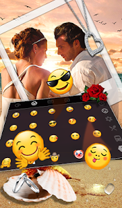 screenshot of Romantic Love Couple Photo Keyboard Theme version 6.8.17.2018